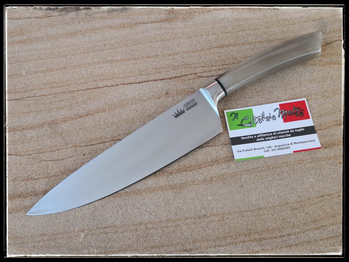 COLTELLO-CHEF-ARTIGIANALE-CORNO-ARROTINO-COLTELLAIOMATTO
