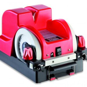 Affilacoltelli SM-110 Macchina per affilare e sbavare coltelli velocemente ed a regola d'arte, con raffreddamento ad acqua. La macchina dispone di magneti che garantiscono un'affilatura assolutamente sicura ed un preciso angolo di affilatura. Togliere la bava è semplice, grazie al movimento opposto delle ruote superiori. • Dimensioni: 450x300x270 mm • Peso: 13,5 kg